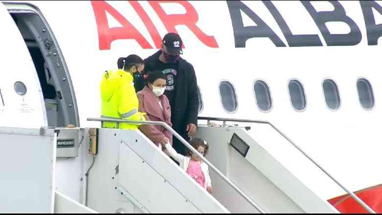 Rama së bashku me pasagjerët e parë nga Londra zbresin në aeroportin e  Kukësit - Gazeta Bulevard